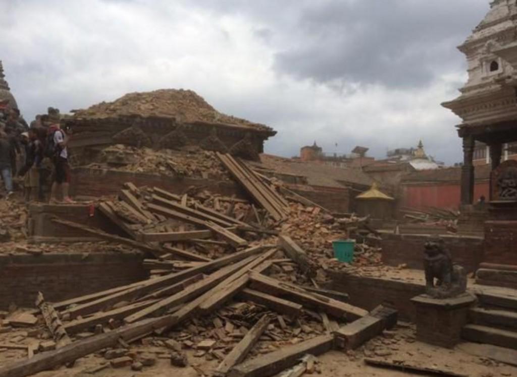 Zerstörung nach dem Beben